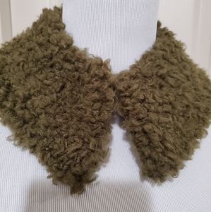 Nwt sage green sherpa clip collar vintage style